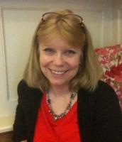 День рождения американской писательницы Нэнси Холдер