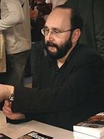 День рождения французского писателя Сержа Брюссоло