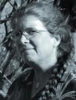 День рождения американской писательницы Кейдж Бейкер