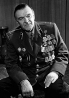 День рождения советского писателя Юрия Бондарева