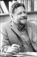 День рождения известного писателя-натуралиста Джеральда Даррелла