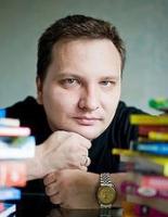 День рождения писателя-фантаста Валентина Холмогорова